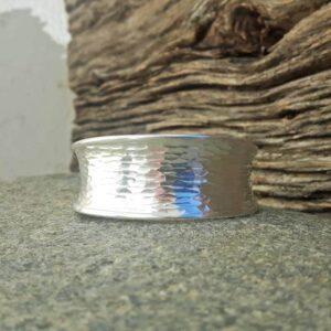 Bracelet manchette argent martelé