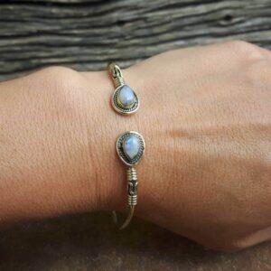 Bracelet jonc fantaisie pierre de lune