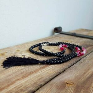 FORCE black onyx necklace