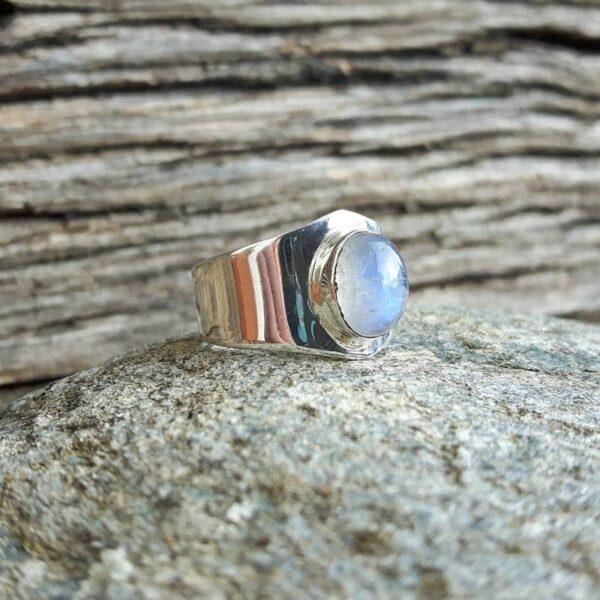 Bague minimaliste pierre de lune