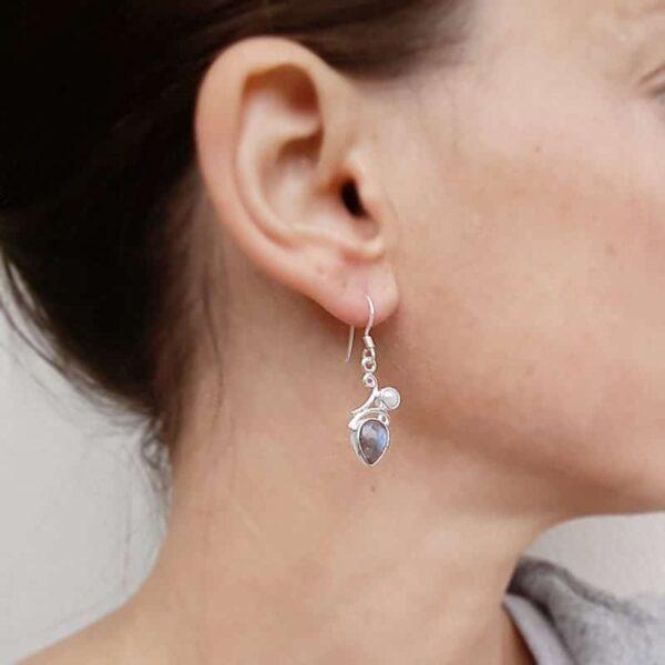 Boucles d'oreilles labradorite et perle marine