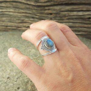 Blauer ethnischer Labradorit-Ring