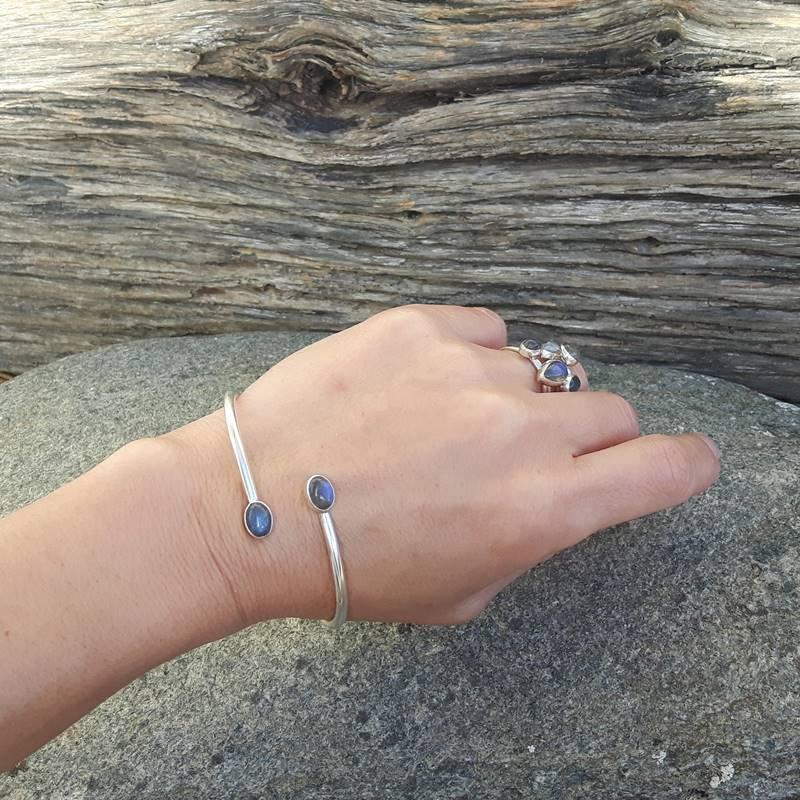 site réputé 4e34e 4f60e Blue labradorite bangle bracelet