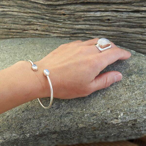 Bracelet jonc pierre de lune