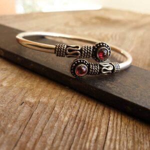 SITA silver garnet bracelet