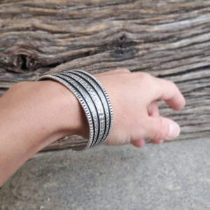 Ethnic bracelet in Thai silver