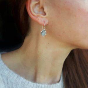 Boucles d'oreilles ethniques en pierre de lune