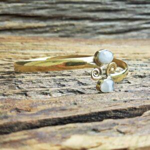 Bracelet jonc ouvert pierre de lune