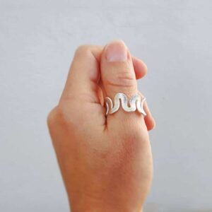 ONDULATION hammered silver ring