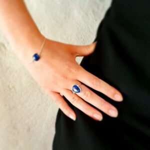 Silver and faceted lapis lazuli ring